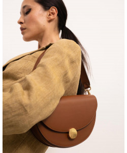 Our classic shoulder bag NORA in cognac  #agneel #madeinitaly